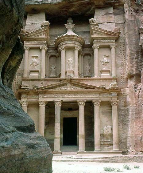 Petra is considered the most famous and gorgeous site in Jordan located about 262 km south of Amman and 133 km north of Aqaba. It is the legacy of the Nabataeans, an industrious Arab people who settled in southern Jordan more than 2000 years ago.