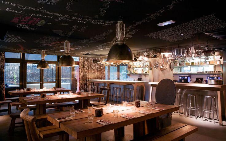 Mama Shelter Restaurant by Phrlippe Starck - Paris 75020