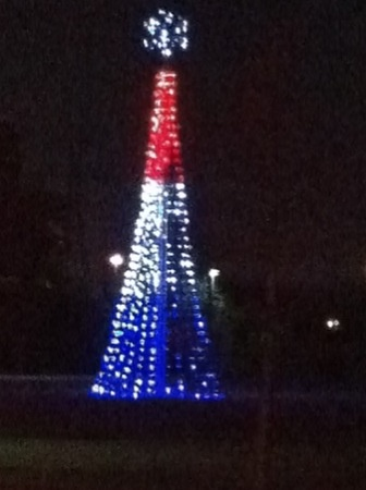 christmas lights the eiffel tower in red white and blue - Red White And Blue Christmas Lights