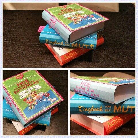 Surprise van een stapel boeken voor een meisje in groep 8.