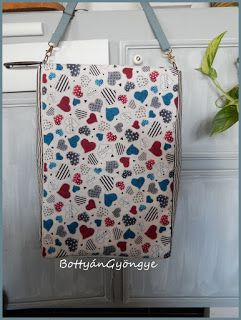 Vidám csajos oldaltáska / Cheerful little girl bag