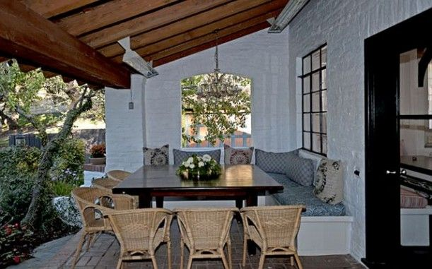 """""""It's Complicated"""" outdoor dining area. I can see myself eating my meals in this inviting space."""