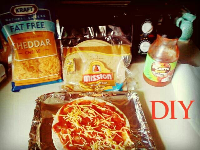 DIY 5 minute HEALTHY pizza 1. You will need shredded fat free cheddar cheese, wh…