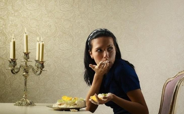 Тяга к сладкому: 4 причины зависимости