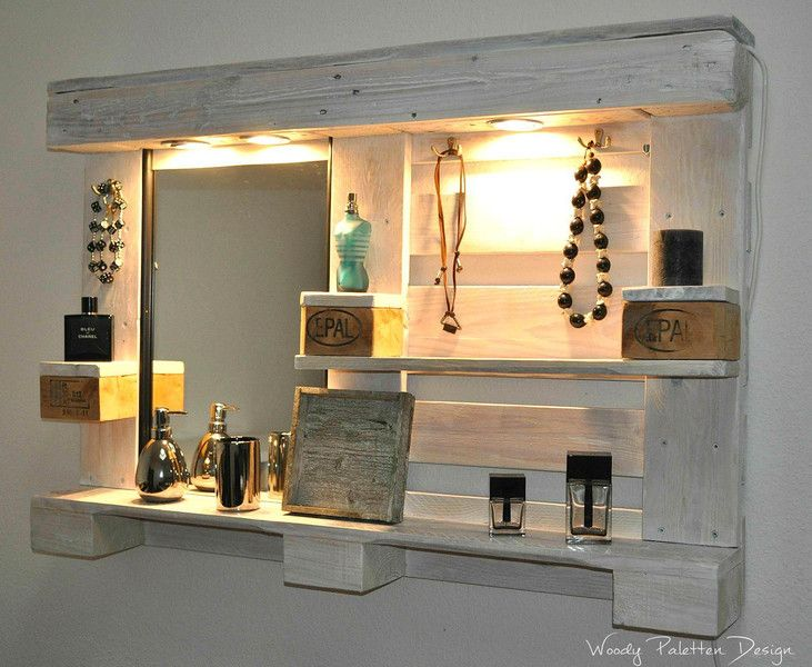 Palettenmöbel Spiegelschrank No1 Weiß Schminktisch von Woody Dekor - rustikale Palettenmöbel auf DaWanda.com