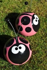 yard craft ideas   Projects/Craft Ideas / ladybug bowling ball yard art