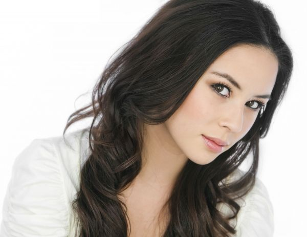 Malese Jow, once again. Some definite Mei,here....