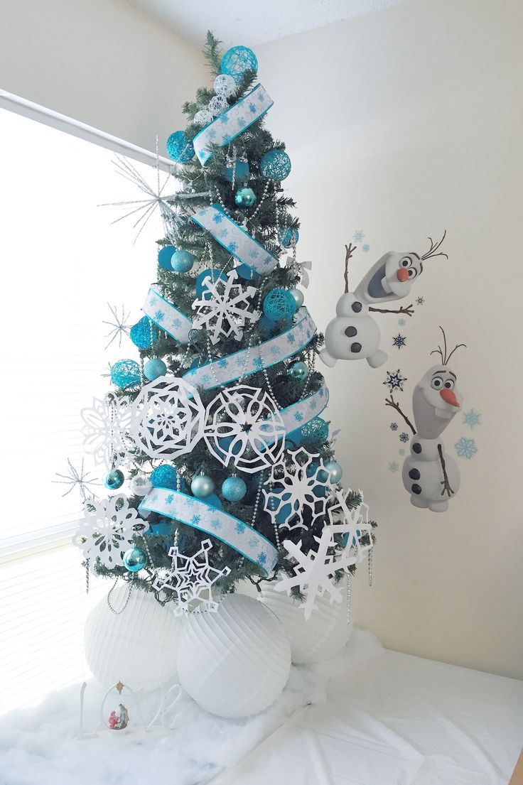White christmas tree with purple and blue decorations - Christmas Frozen Decorations
