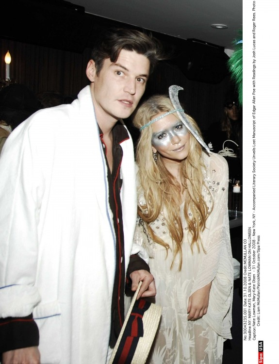 mary kate looks stellar in her couture take on a moon costume mk socialblissstyle - Mary Kate And Ashley Olsen Halloween