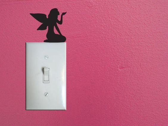 Забавное дополнение интерьера - милое оформление выключателей, розеток или даже дверных косяков