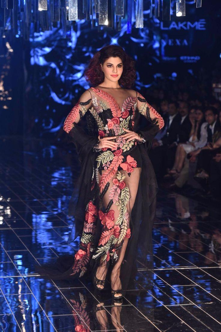 Jacqueline Fernandez for Manish Malhotra#lakmefashionweek#straightfromrunway#perniaspopupshop#indiandesigners#collection#winterfestive'17