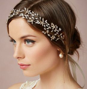 Romantic hairstyle for long brown hair. Headband.