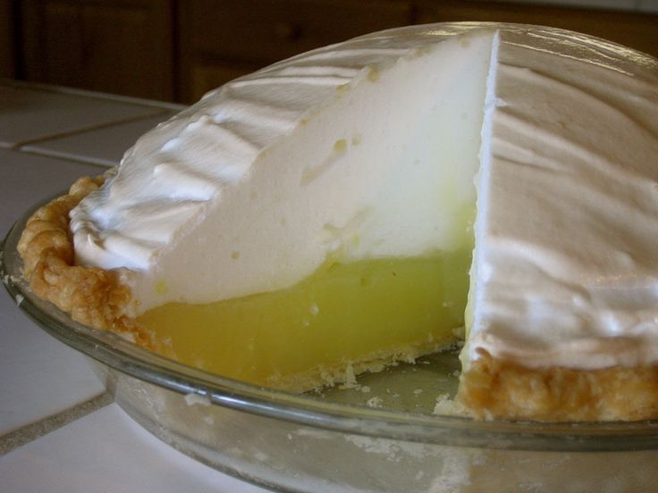 how to keep meringue from weeping or shrinking