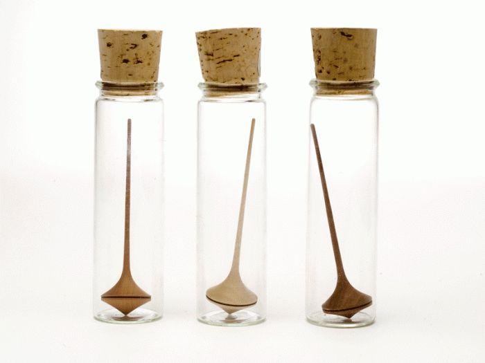 Miniature Wooden Spinning Top - Trumpo