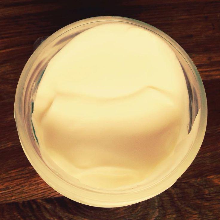 Une des étapes compliquée de la transition vers le veganisme, pour une semi-bretonne comme moi, a été de trouver comment remplacer le beurre demi-sel. Il fallait trouver le substitut parfait, celui…