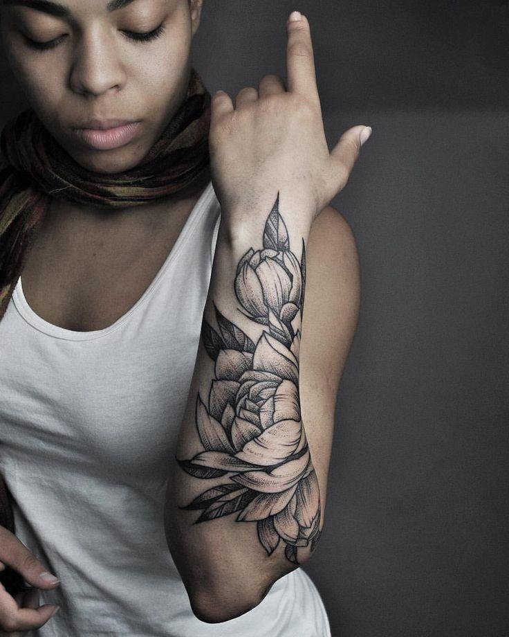 25 best peonies tattoo ideas on pinterest. Black Bedroom Furniture Sets. Home Design Ideas