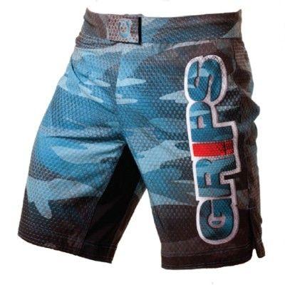 Grips Shorts Carbon Army Blue är miljövänliga och funktionabla shorts. Tillverkade av ett superlätt, snabbtorkande material framställt av återvunna PET-flaskor. 4-vägsstretch för maximal rörlighet, velcrolås och