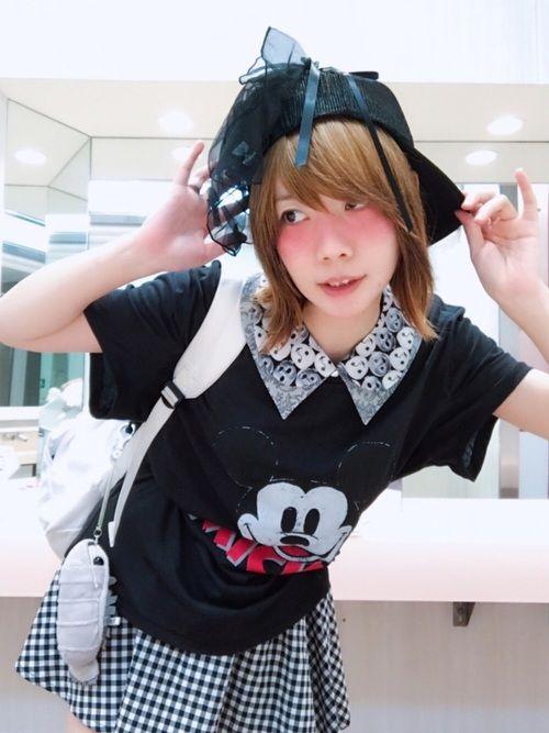 夏のおもいでーぇ H&MのミッキーTシャツをメインに ポプトンコーデですー 襟が大好きで 付け襟をい