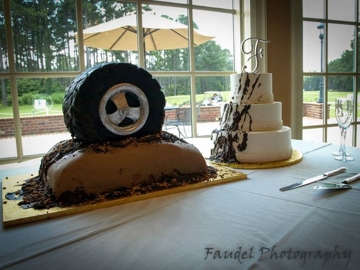 mud tire wedding cake the image kid has it. Black Bedroom Furniture Sets. Home Design Ideas