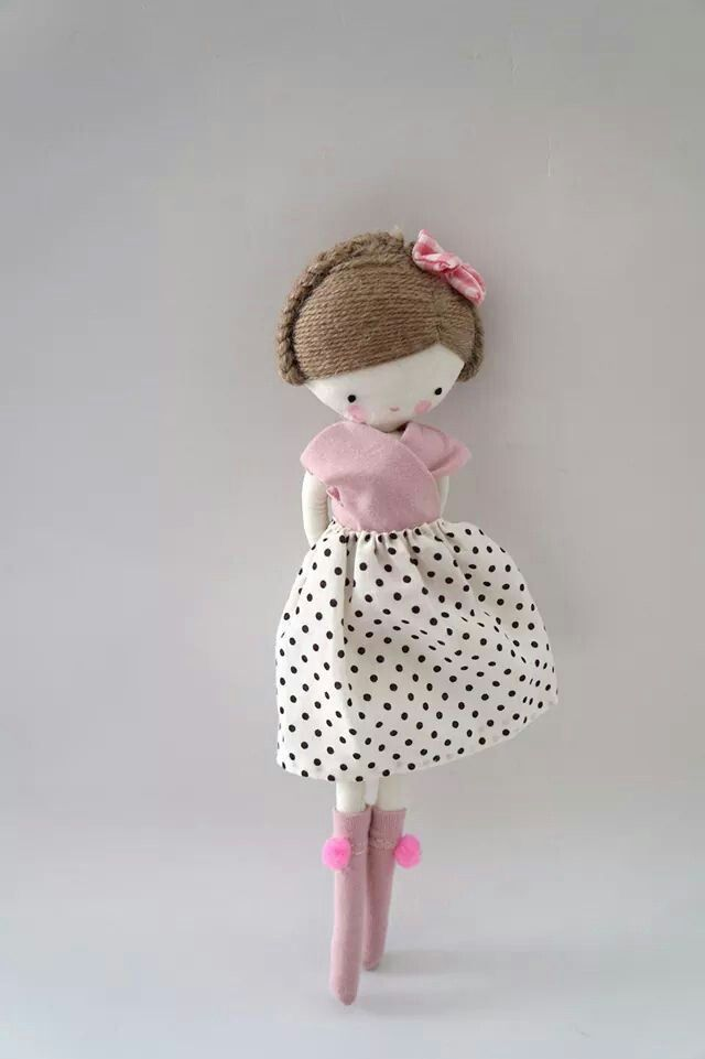 Las sandalias de Ana - so sweet ! Love the soft pink of her top and the pom poms on the socks <3