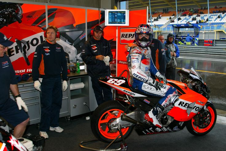 Nicky Hayden Team Honda Repsol MotoGP, http://www.daidegasforum.com/forum/foto-video/552674-nicky-hayden-raccolta-foto-thread.html