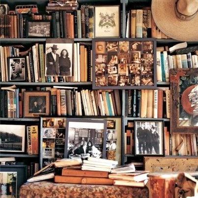 libri, oggetti, fotografie. Le biblioteche segnano e custodiscono il nostro tempo