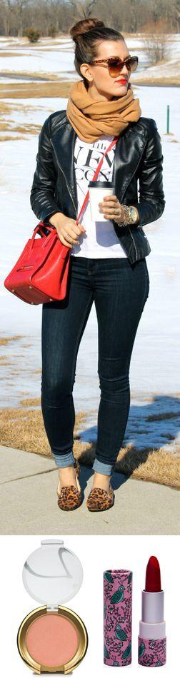 Outfit invernal para diario acompañado de un blush #JaneIredale y el hermoso rojo del labial Toloache de #PaiPai