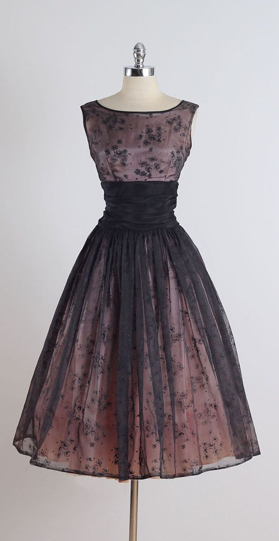 Best 25  Vintage style dresses ideas on Pinterest | 1950s dresses ...