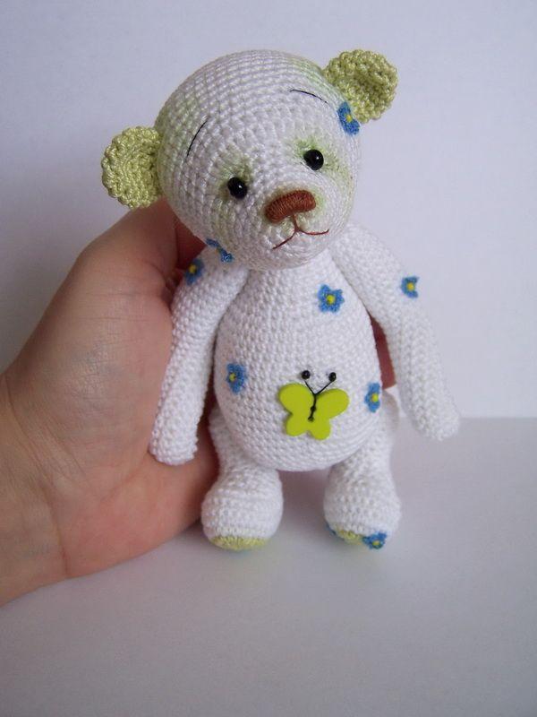 Thread artist crochet Bear by Benesak / Teddy Bears & Pals / Teddy Talk: Creating, Collecting, Connecting