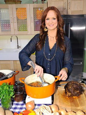 I want to be Ree Drummond when i grow up, I just love her! photos+of+ree+drummond   ree drummond