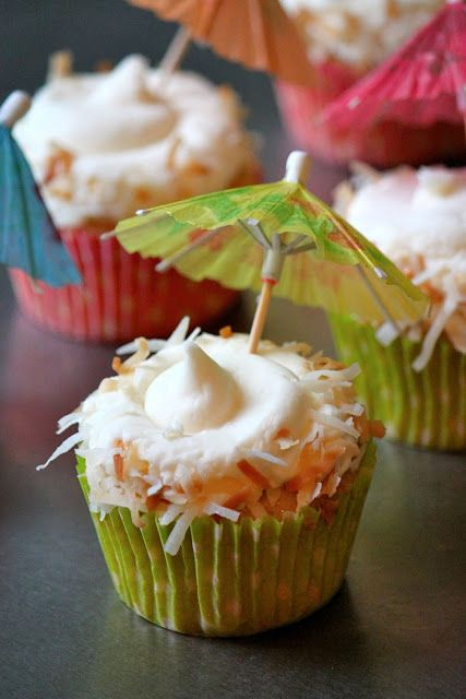 Pina Colada Cupcakes | Creative Cupcakes | Pinterest