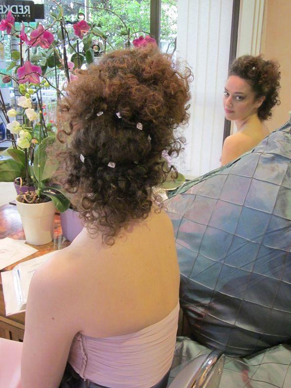 Finalmente un'acconciatura per la #sposa con i #capelli #ricci! La hair stailist che l'ha realizzata è Graziella Ragazzo di Hair Passion, Poggibonsi, Siena.