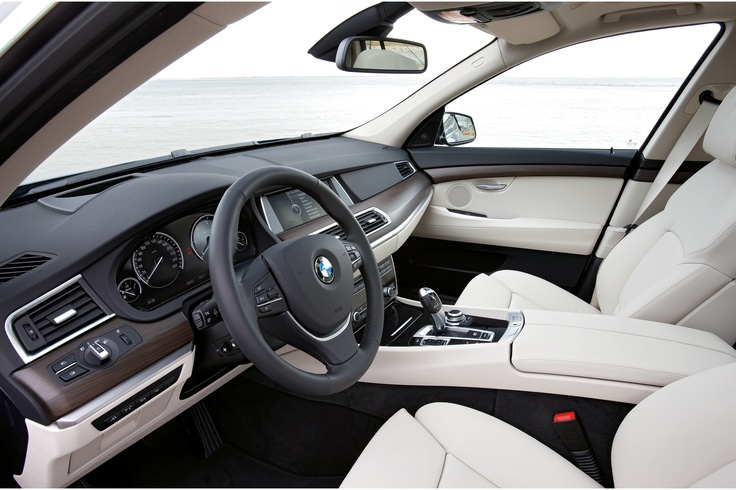 Salon of BMW 5 GT during the day light