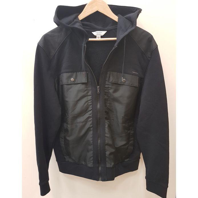 You can't get cold if you're wearing a jacket #amiright? #logicoftheday #coldweathercantholdmedown #PlatosClosetCambridge #gentlyused #jacketgoals // #CalvinKlein men's jacket, Size L, $25 // | www.platosclosetcambridge.com