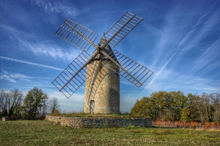 Windmill at Montagne St Emilion 2014 redstuffdan