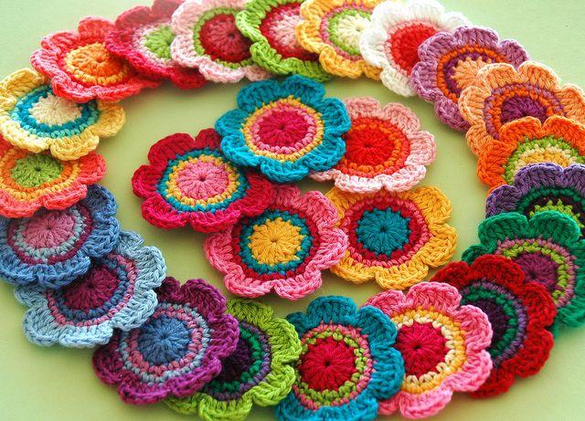 flower love: Crochet Flowers, Colour Crochet, Colors Patterns, Flowers Crochet, Colors Crochet, Crochet Motif, Colors Flowers, Bright Colors, Crochet Knits