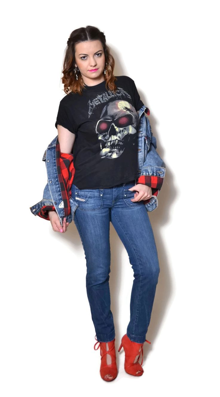 Vintage low rise jeans by Diesel. Jeans show signs of wear.  The model on the pictures is size S/36 and 165 cm height. Please check measurements with your own to avoid problems with the size. Make sure you double the measurements where shown (*2):  Label size: W28 L32 Total lenght: 93 cm / 36.75 inches Waist: 37 cm *2 / 14.5 inches *2 Hips: 44 cm *2 / 17.5 inches *2 Thigh: 23.5 cm / 9.25 inches *2 Lenght from the crotch to bottom: 72.5 cm / 28.75 inches Bottom wi...