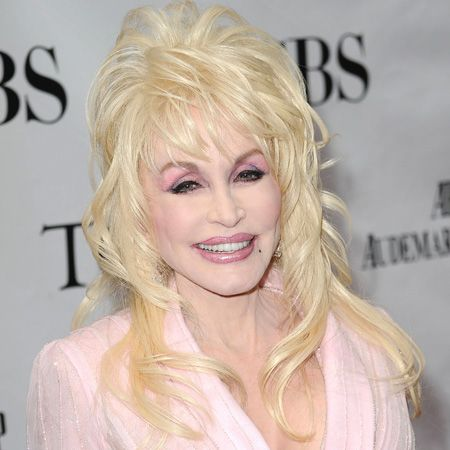 Dolly Parton Without Makeup   Dolly Parton wears high heels at home because she can't reach her ...