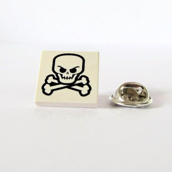 Skull with Bones Pin-Cosplay Pin-Men's Lapel Pin-Skull Jewellery-Pirate Pin-Scary Pin-Brooch for Men-Pin for Him-Crossbones Pin-Geek's Pin