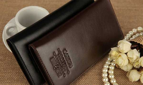 Banyak sekali merk serta jenis dompet dengan desain serta motif yang menarik. Tips beli dompet kulit pria sebaiknya anda perhatikan sebelum anda memutuskan untuk memilih salah satu produk yang ditampilkan dalam katalog. Memang setiap dompet kulit pria yang ditampilkan dalam daftar stok barang selalu dalam tampilan yang menarik, tetapi belum tentu saat kita memutuskan membelinya …