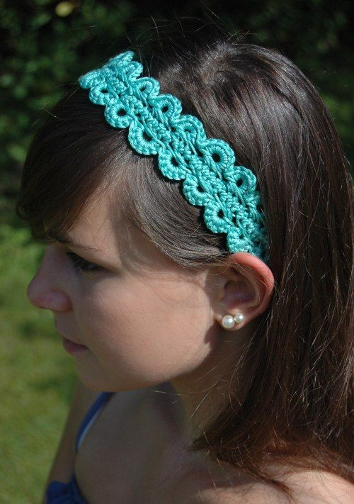 Free crochet pattern: Hairpin lace crochet headband. Also has basic hairpin lace instructions. I've always wanted to try hairpin lace.