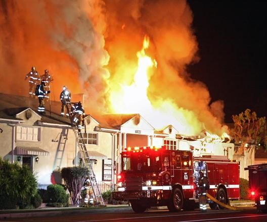 Downey Fire Department (CA) Serious structure fire response #fire #smoke #setcom