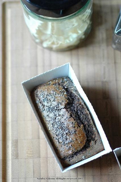 Mini cake #GlutenFree con farina di topinambur, castagne, riso venere e semi di Chia.  Ricetta di Sandra Salerno di Un Tocco di Zenzero #essiccatore