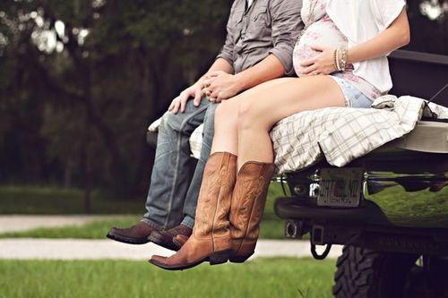 Cute maternity picture.