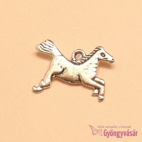 Ezüstszínű ló - fém zsuzsu / fityegő