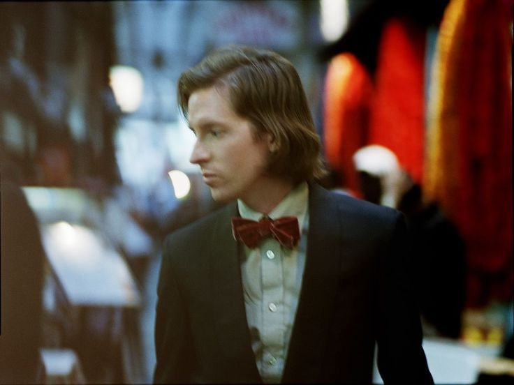 Wes Anderson is such a babe. (portrait by Serge Leblon)