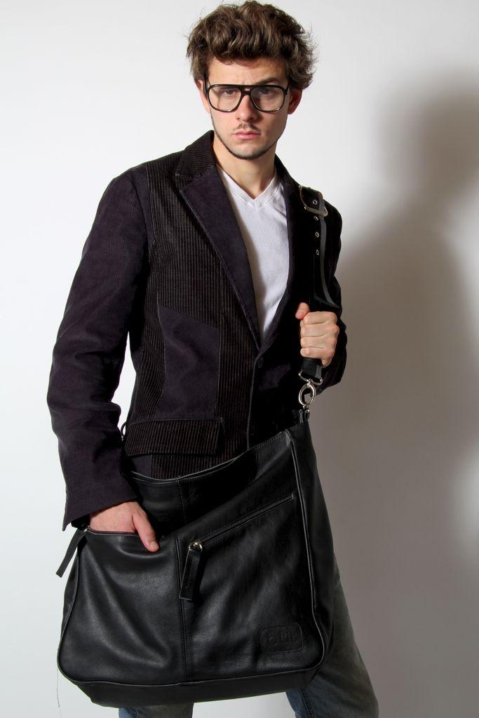 GEO en negro. Look profesional pero con mucha city. También en nustra tienda ON LINE en http://www.shopblit.com/hombres/geo/