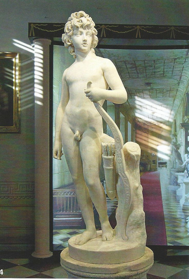 Henryk Lubomirski jako Amor, dzieło Antonia Canovy, z łańcuckiego pałacu