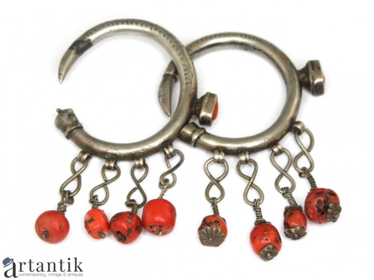 Bijuterii etnice si tribale, cercei, Maroc, coral natural si argint / Ethnic and tribal jewelery, earrings, Morocco, natural coral and silver