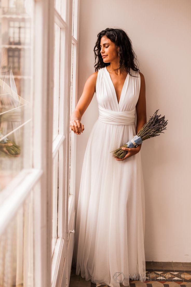 Plunging ivory lace wedding dress – Gala Vintage